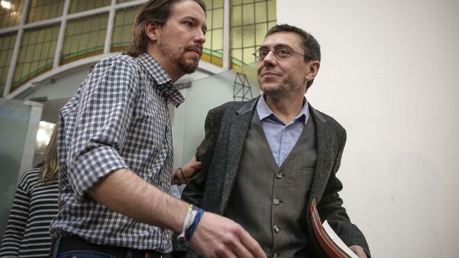 Pablo Iglesias arropó a Juan Carlos Monedero en su comparecencia.
