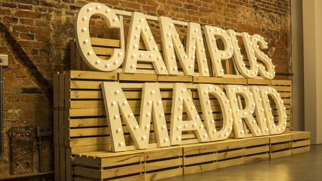 Acceso al auditorio de Campus Madrid