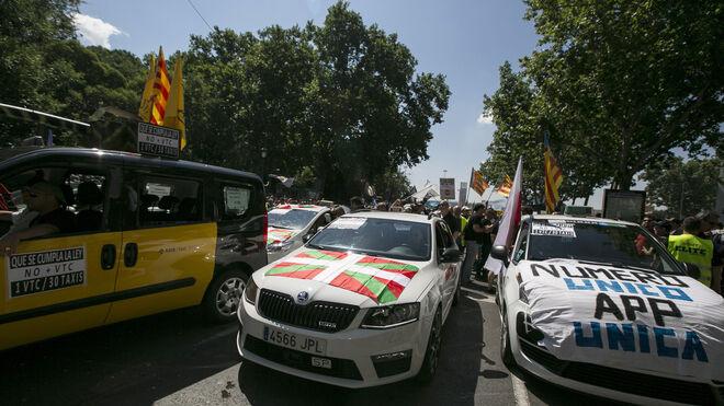 Una imagen del paro de los taxistas en Madrid contra Uber y Cabify.