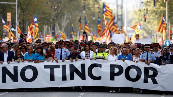 """Cabecera de la manifestación en Barcelona, """"No tinc por"""""""