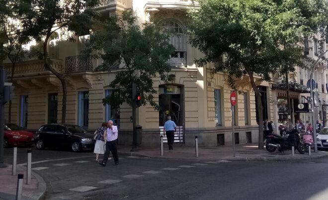 La tienda de Movistar en la que se ha instalado la cabina con Aura, en el número 32 de la madrileña calle de Goya