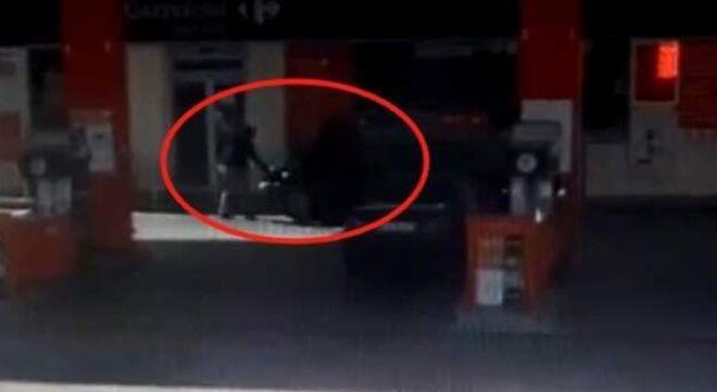Imagen del atropello en la gasolinera.