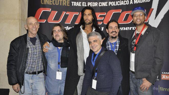De izquierda a derecha: el director Sam Firstenberg, el productor de la CutreCon Pedro Mérida, el actor Mathew Karedas, el productor de la CutreCon Paco Fox, el director del festival, Carlos Palencia, y el director Rick Harper en la CutreCon V.