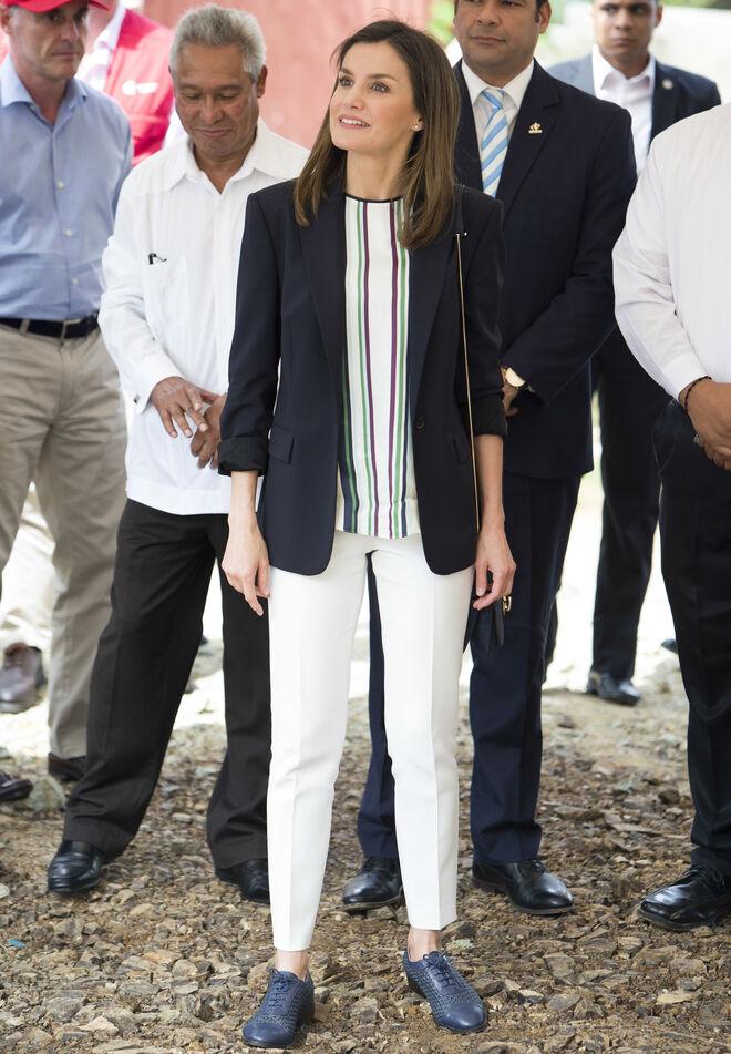 Letizia lució tres estrenos en su primer día en República Dominicana.