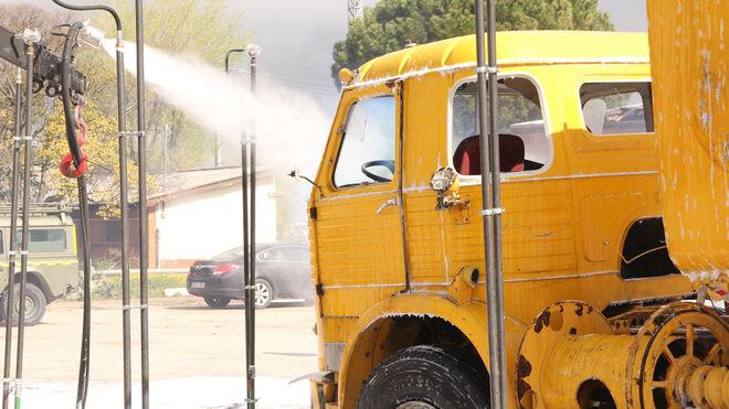 Prueba de descontaminación de un teórico camión con carga peligrosa y tóxica.