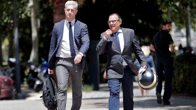 Costa, a su llegada a la Ciudad de la Justicia de Valencia