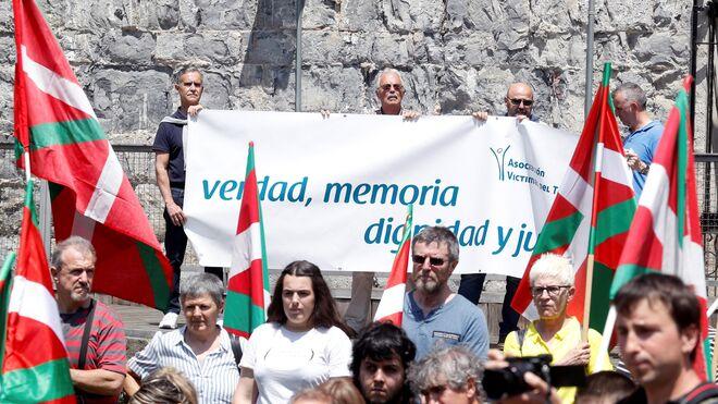 La AVT ha mostrado su repulsa al homenaje en honor al etarra Txabi Etxebarrieta, autor del primer asesinato de ETA