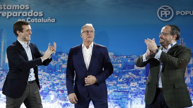 El presidente del Partido Popular, Pablo Casado, Josep Bou y Alejandro Fernández.