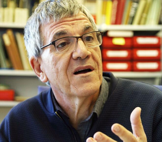 Narcís Prat, en su despacho de la universidad