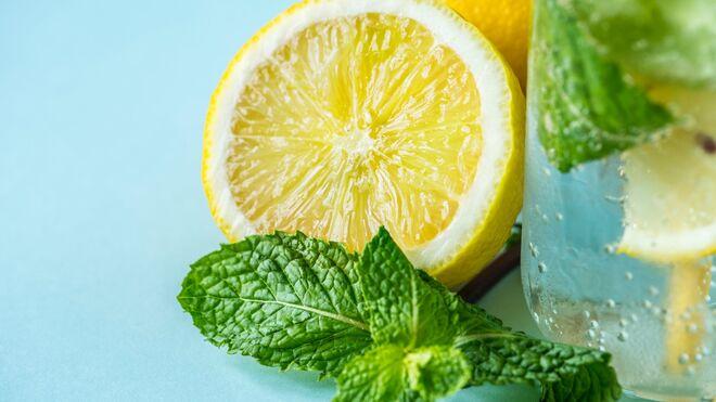El agua con limón, buena idea
