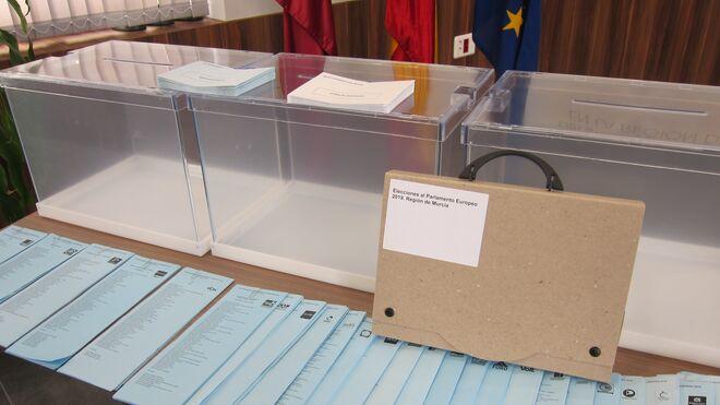 Urnas en las elecciones generales