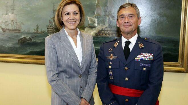 María Dolores de Cospedal y el teniente general Villarroya.