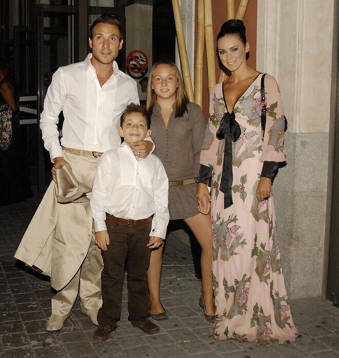 Antonio David, Olga Moreno y los hijos de él en 2008