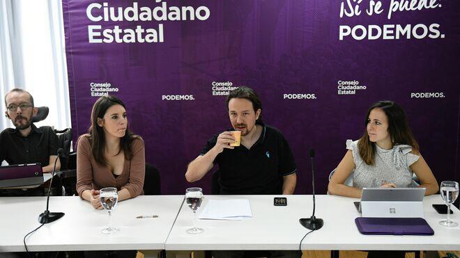 Pablo Iglesias junto a Irene Montero e Ione Belarra en el Consejo Ciudadano de podemos.