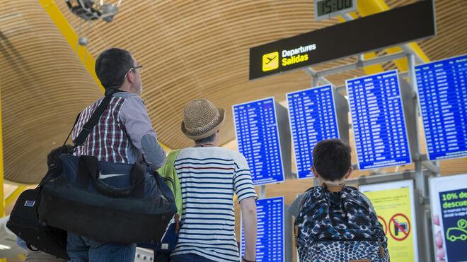 Los aeropuertos registran 186,8 millones de viajeros hasta agosto, el 5 % más