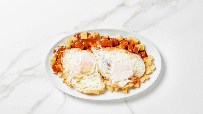 Los huevos fritos con bravas de La Retasca