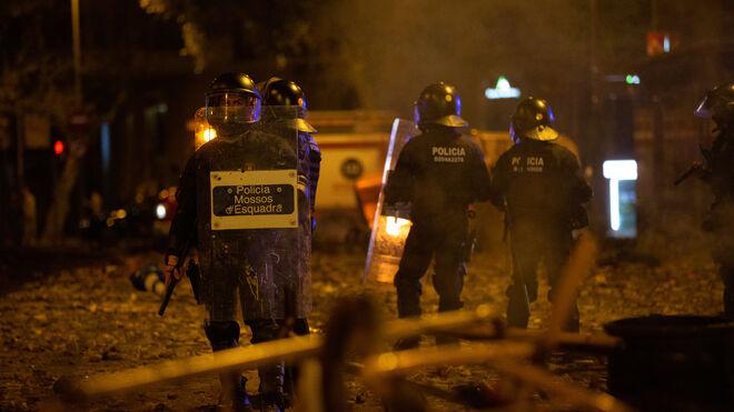 Mossos d'Esquadra en Barcelona el pasado 18 de octubre, la noche con enfrentamientos más violentos con los CDR.