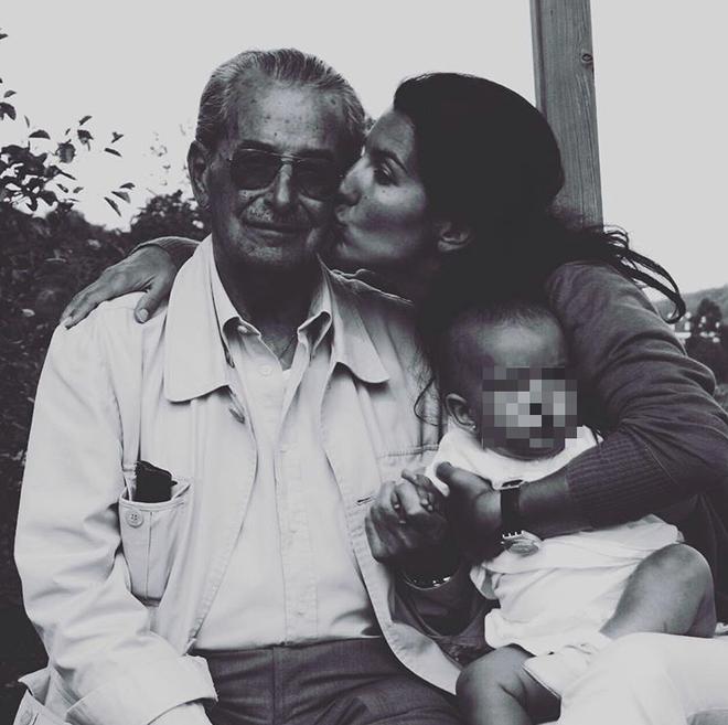 Rocío Monasterio con su padre