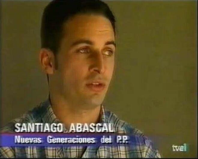 El líder y presidente de Vox, Santiago Abascal, de joven.