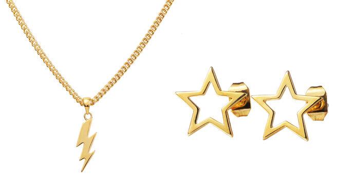 Collar dorado con charm de rayo PVP: 35€ // Pendientes con silueta de estrella PVP: 35€