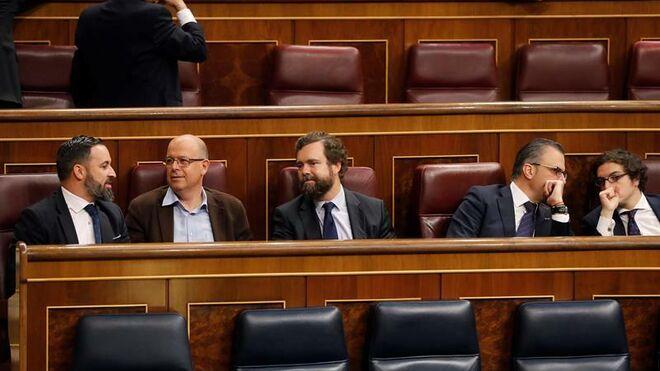 Los diputados de Vox ocuparon los escaños del PSOE en la anterior constitución de las Cortes