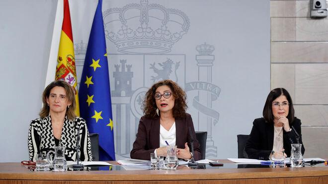 Teresa Ribera, María Jesús Montero y Carolina Darias