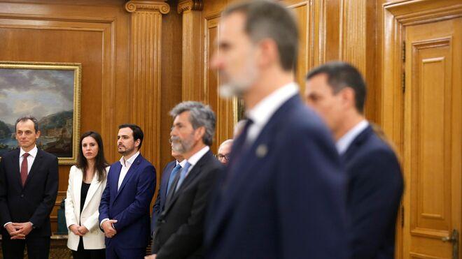 La toma de posesión de los ministros del nuevo Gobierno de coalición