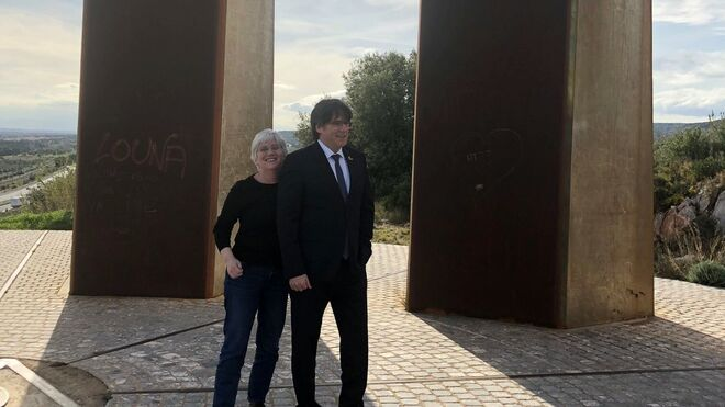 Clara Ponsatí y Carles Puigdemont en Perpignan.