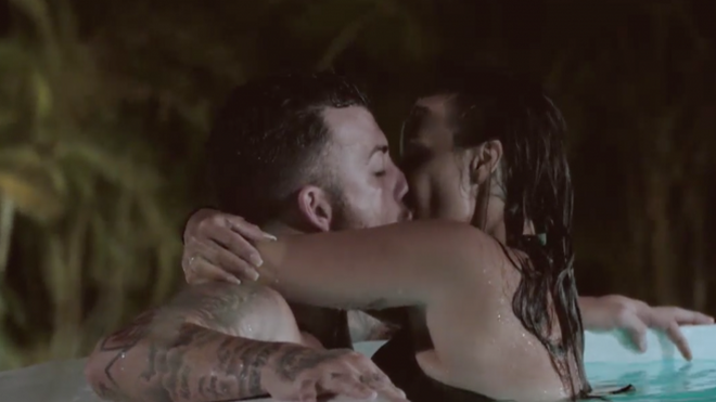 Fani y Rubén se besan en 'La isla de las tentaciones'.