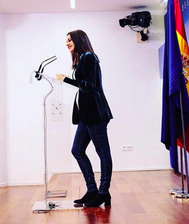 Inés Arrimadas ya luce barriguita