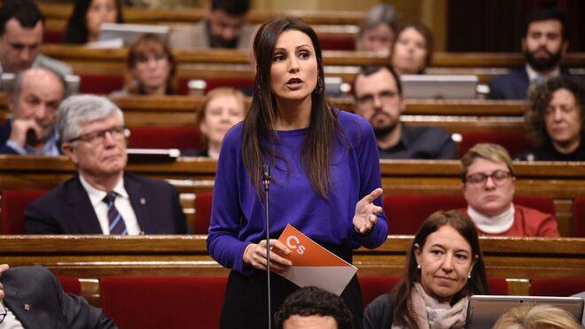 Lorena Roldán, portavoz de Ciutadans en el Parlament, durante la sesión de control a Quim Torra