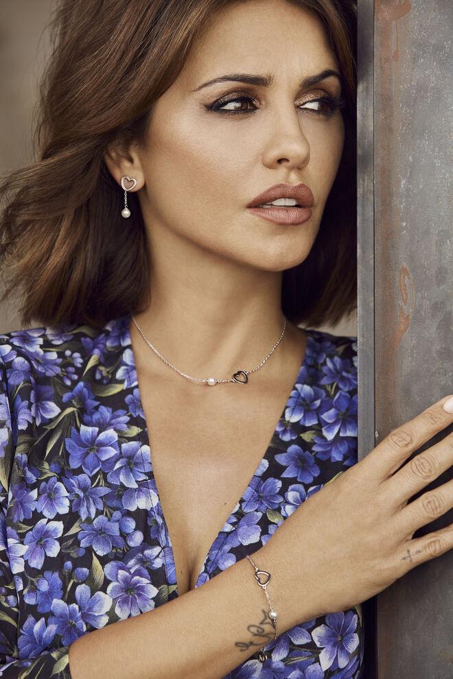 Mónica Cruz ha diseñado una colección especial de joyas para San Valentín