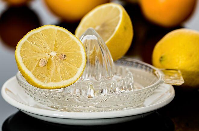 El jugo del limón reduce las cicatrices y previene de la aparición de acné