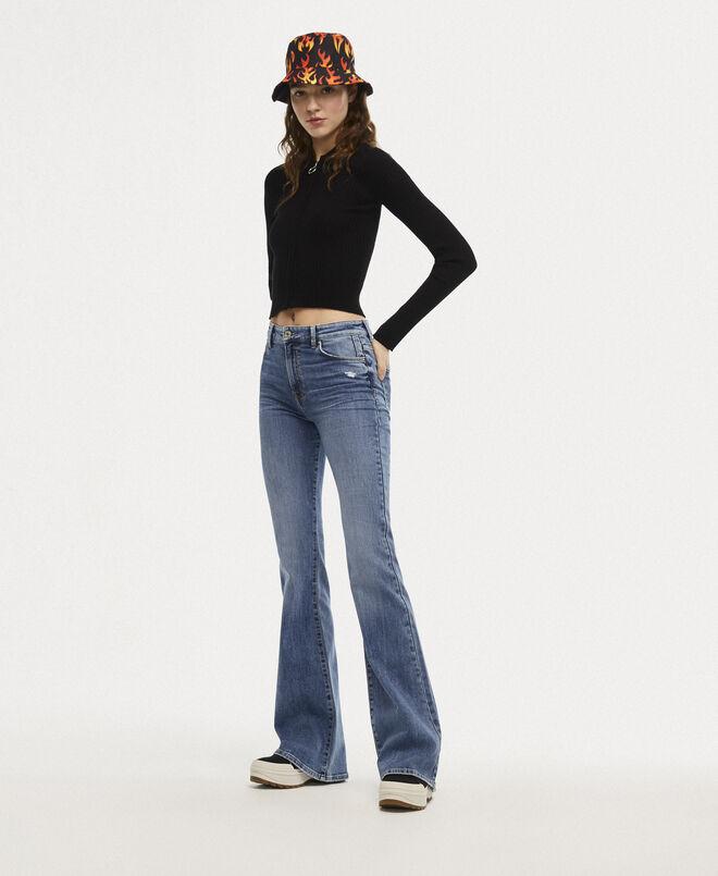 En los 70´s se popularizaron los pantalones campana