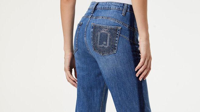 Pantalón vaquero con bolsillo trasero combinado. PVP: 160€