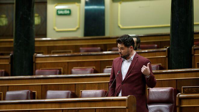 Rufián presiona a Sánchez advirtiéndole de que su mayoría parlamentaria corre peligro