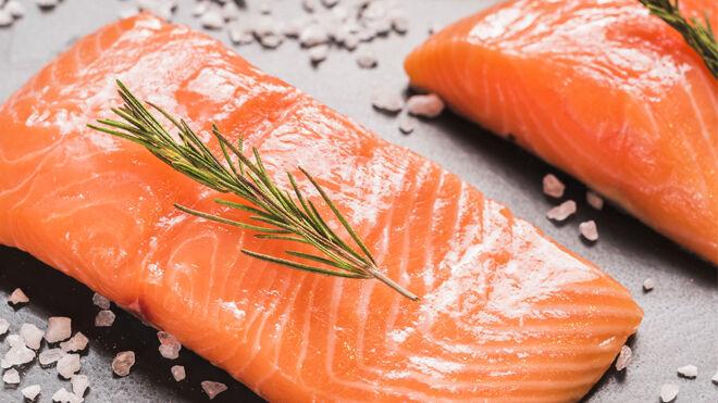 El salmón es uno de los alimentos más ricos en vitamina D