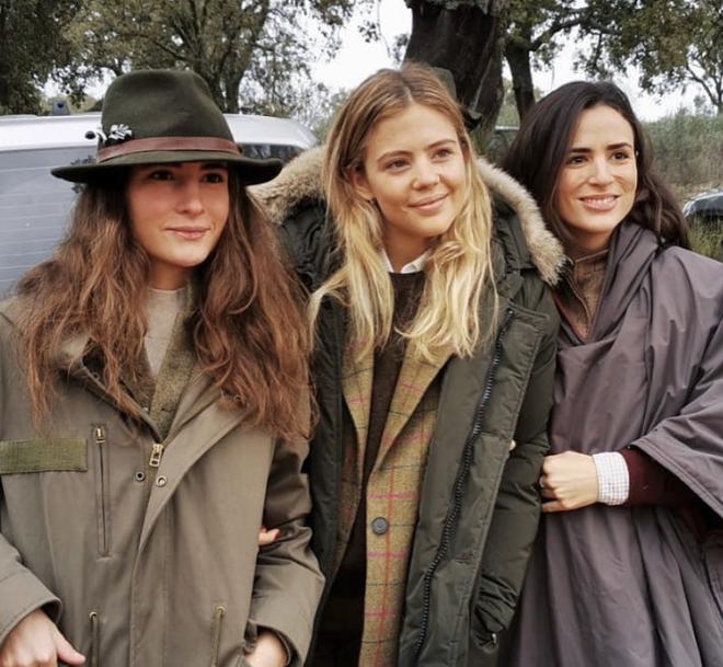 De izda a dcha: Ana Sáinz, Isa Hernáez y Blanca Sáinz