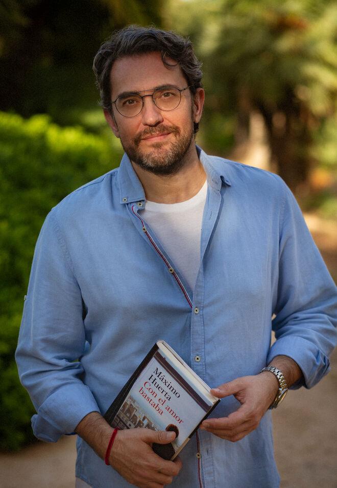 Màxim Huerta con su novela
