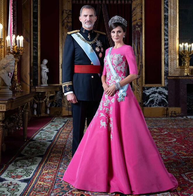 Retratos oficiales de los Reyes de 2019 realizados por Estela de Castro.