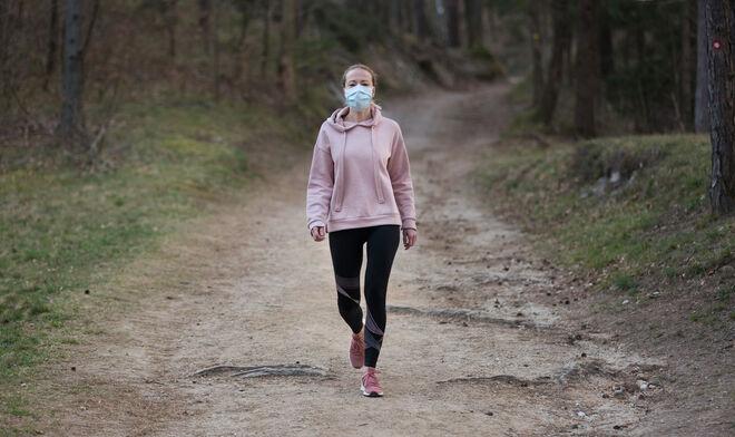 Cuántos paseos necesitas dar para quemar un helado (y los que menos  engordan) - Vozpópuli