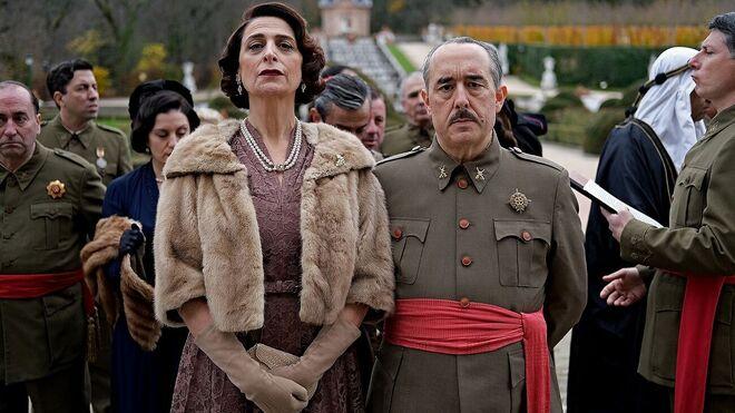 Belén Ponce de León y Pep Miràs como Carmen Polo y Francisco Franco