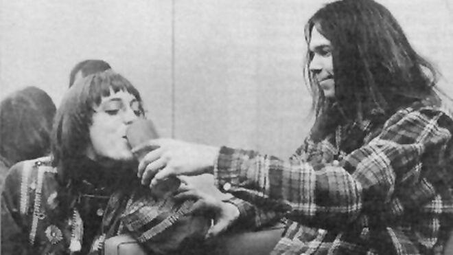 Carrie y Neil, en una imagen de archivo