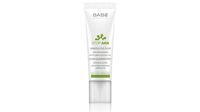 Gel fluido queregenera la pieldesde el interior regulando la producción de grasa, combatiendo el acné y reduciendo las marcas e imperfecciones.PVP: 19€