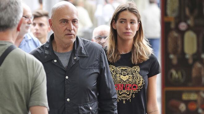 Kiko Matamoros sigue con su novia, 41 años menor que él