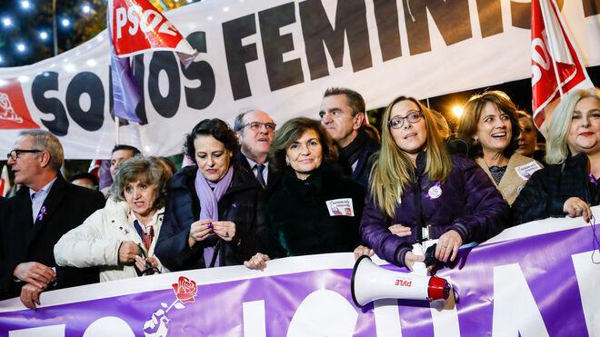 Dolores Delgado cuando era ministra del PSOE, en 2019, en la manifestación por la mujer