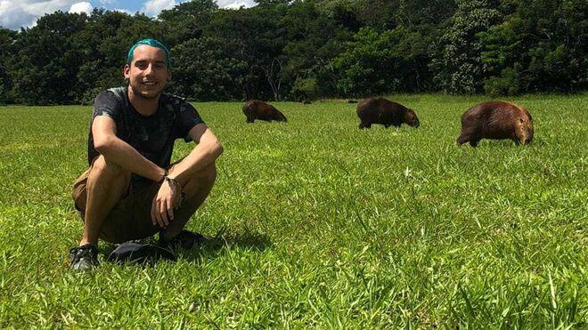 Adrián Cuesta estudia un máster internacional en Ecología Aplicada en Brasil.
