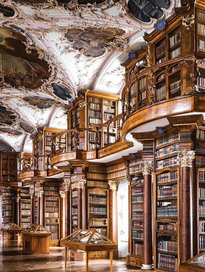 Biblioteca de la Abadía de San Galo (Sankt Gallen, Suiza).