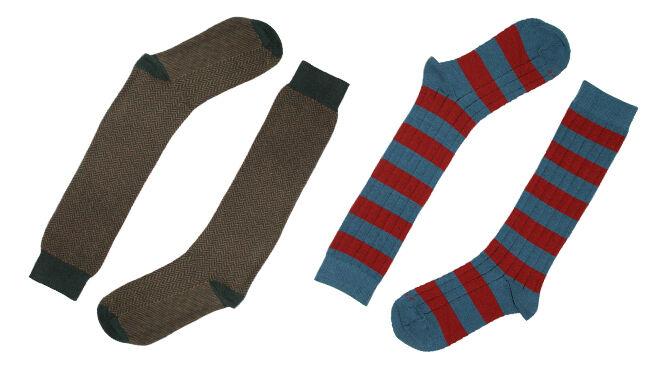 Calcetines largos con dibujos de espiga y rayas. PVP: 12€
