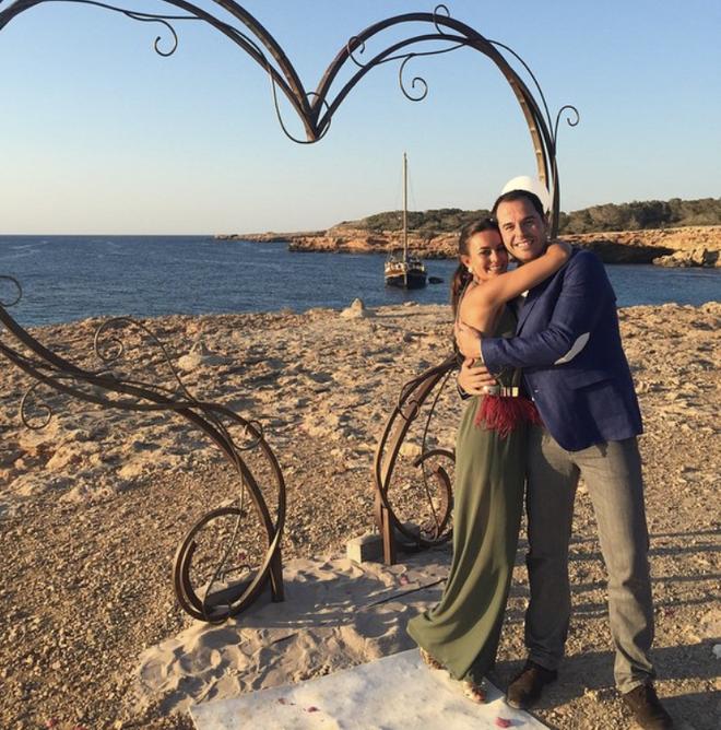Ignacio Aguado y Paula en una boda en Ibiza, en 2015